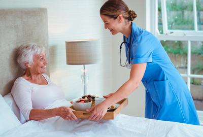 Consejos a tener en cuenta para ayudar a la adecuada nutrición del adulto mayor